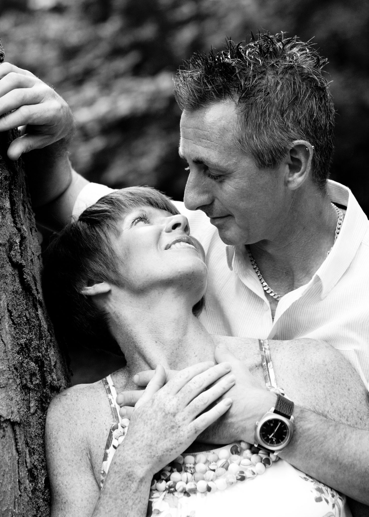 A couples portrait in Newton-Le-Willows by Cheshire lifestyle photographer Andrew Collier Photography