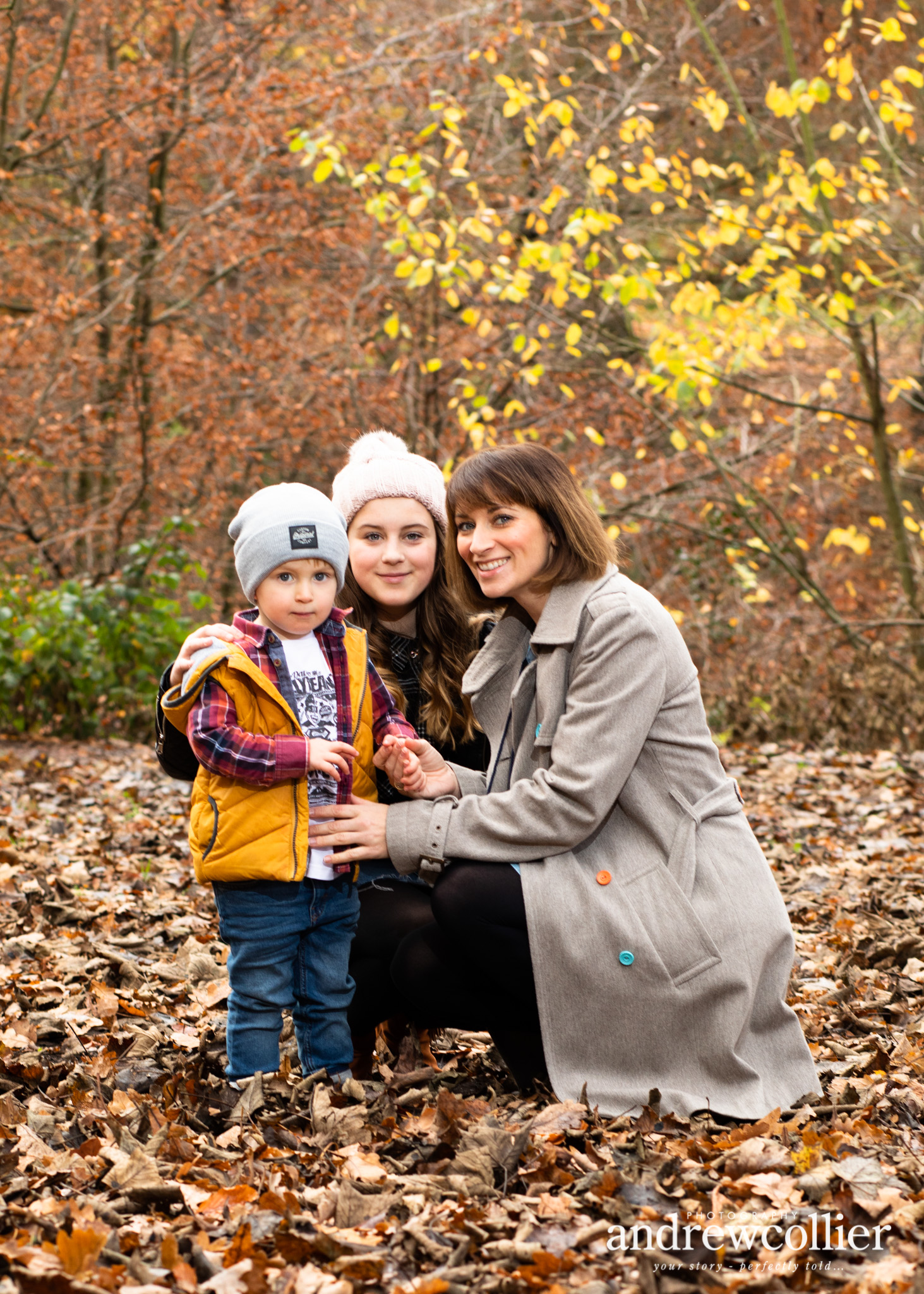 Portrait of a young family. Autumn family portraits