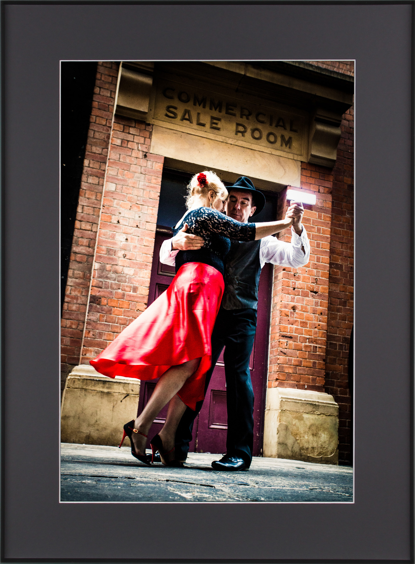 Argentine tango dancing near Insituto Cervantes in Manchester